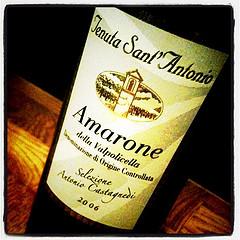 Har lige set en fyr drikke Amarone. Af et pint-glas. by Henrik Karll, on Flickr
